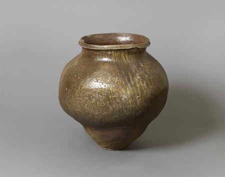 6951 A Tokoname storage jar. Japan 13th century Kamakura period Dimension