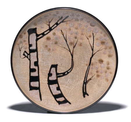 7024 A ceramic dish with three styised trees. Seal: Hachirō Japan 20th ce